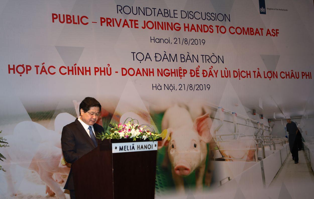 Ông Lê Quốc Doanh – thứ trưởng Bộ Nông Nghiệp và Phát Triển Nông Thôn phát biểu tại hội nghị